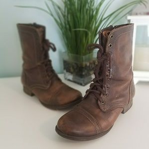 Steve Madden combat troopa lace boots